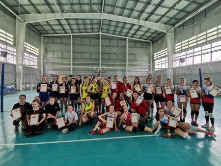 Турнир по волейболу, посвященный Международному женскому дню